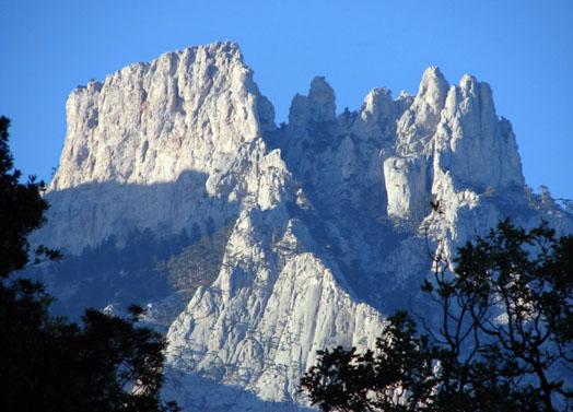 гора Ай-Петри в летнее время