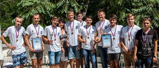 молодые севастопольцы получили значки ГТО