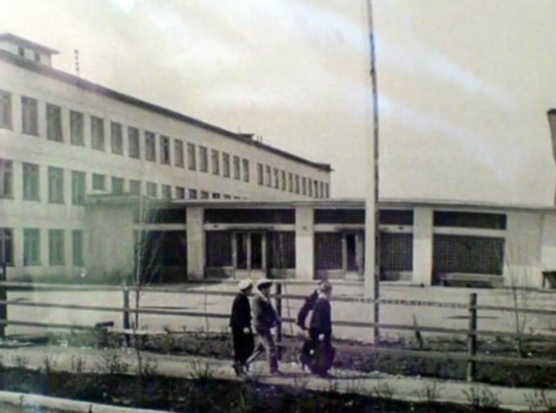 старое фото 16-ой школы