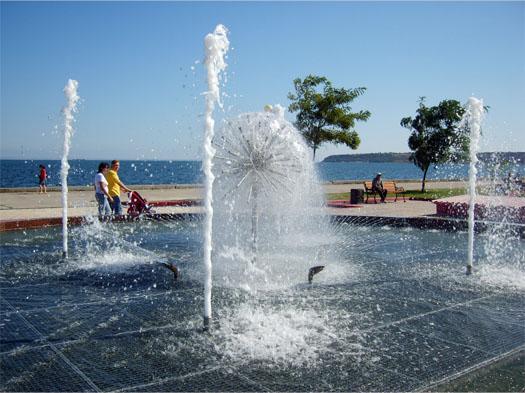 фонтан воды в Керчи