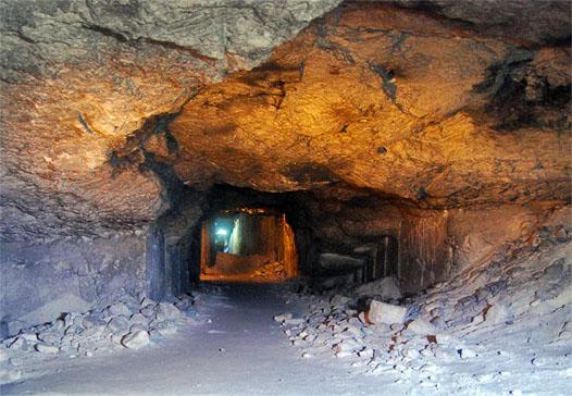 туннель в катакомбах