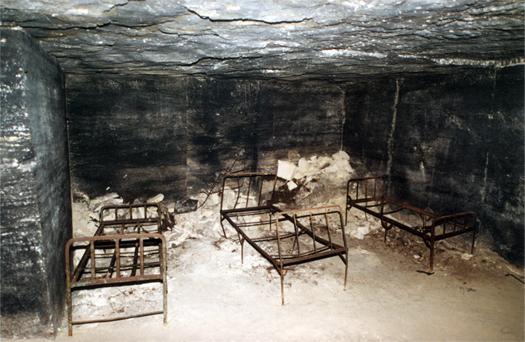 суровые кровати катакомбы