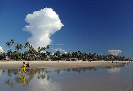 пляж Колва на Севере Гоа в Индии